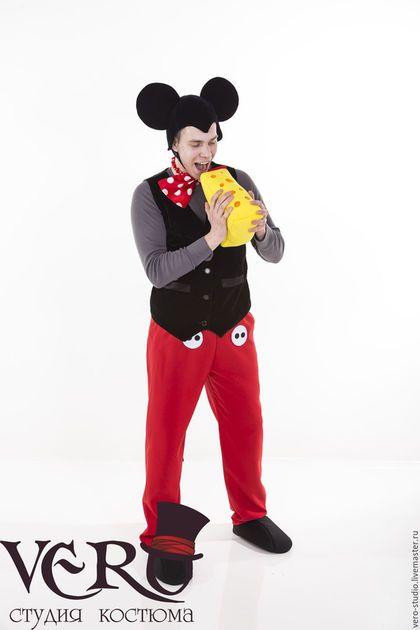 Купить или заказать Костюм Микки Маус в интернет-магазине на Ярмарке Мастеров. Базовый состав костюма: - брюки с хвостом - головной убор - бархатный жилет - бант на шею Дополнительно можно заказать: - черная водолазка (либо любой другой цвет) - ботинки (цвет по желанию) - перчатки -…
