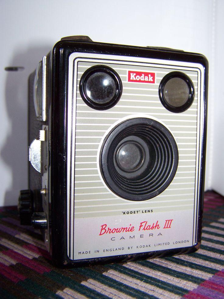 17 best images about kodak brownie on pinterest digital camera lens vintage and girl on beach. Black Bedroom Furniture Sets. Home Design Ideas