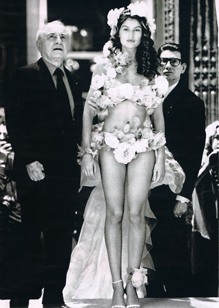 naimabarcelona:  Letitia Casta and Pierre Berg, Backstage At Yves Saint Laurent Haute Couture Spring 1999