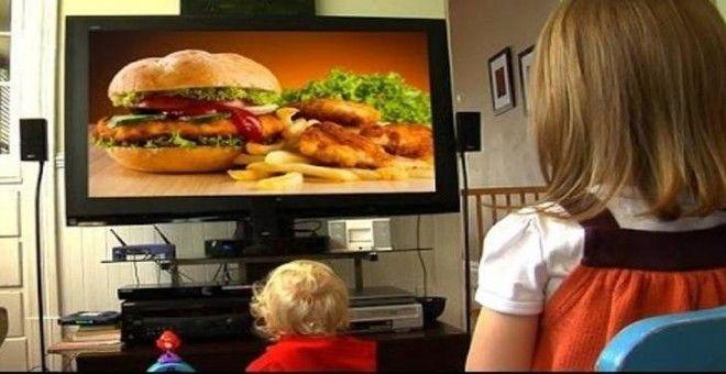 Los niños españoles se empachan de anuncios de comida basura según científicos españoles