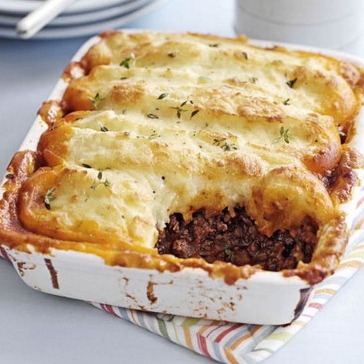Cottage Pie Recipe Main Dishes with olive oil, beef, onion, carrots, celery stick, garlic cloves, plain flour, tomatoes, red wine, beef stock, worcestershire sauce, thyme, bay leaves, potatoes, milk, butter, cheddar cheese, grated nutmeg