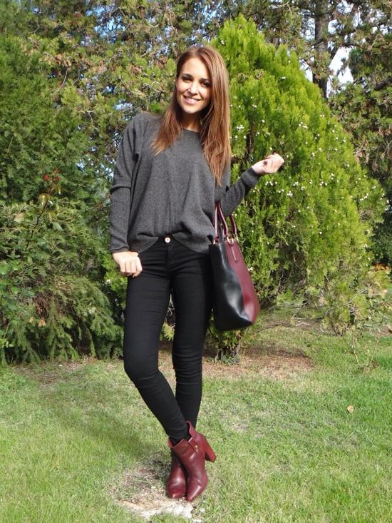 vaqueros negros camisa gris botas rojas                                                                                                                                                                                 Más