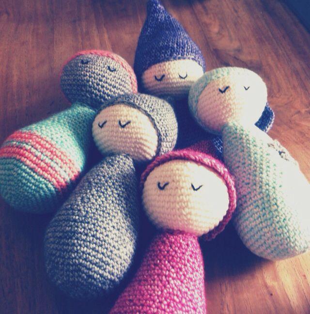 Gezellig clubje #slaappopjes bij elkaar #haken #knuffels #slaappopjes #popjes #melsgrut #kraamcadeau #zwanger