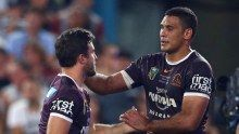 NRL Grand Final 2015: Brisbane Broncos Captain Justin Hodges consoles Greg Hunt after his crucial mistake - ABC News (Australian Broadcasting Corporation)