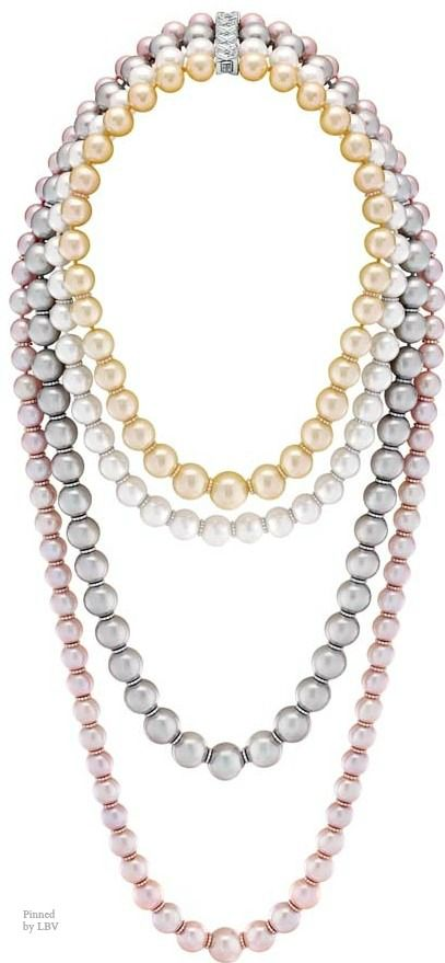 """Chanel – Les Perles de Chanel – """"Perles Swing"""" necklace in white, yellow and pink gold 