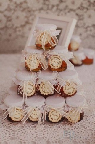 Honey pot wedding favours