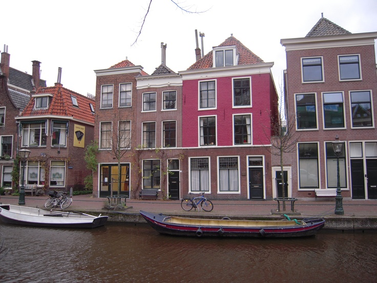 Leiden - To me, one of the most beautiful cities in Netherlands !