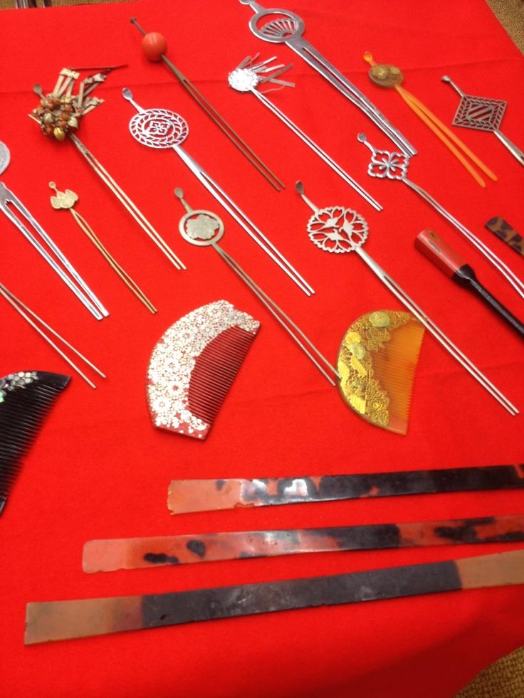 かんざし Kanzashi (ornamental hairpin) Makes me think of steampunk too