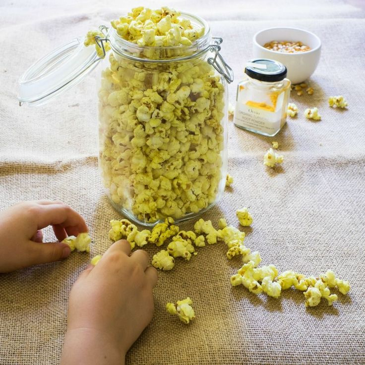 Friday is movie night & what is a movie without popcorn. I cringe at the thought of the amount of microwave bags and movie theatre buckets I went through in my childhood and early 20s. Real pop...