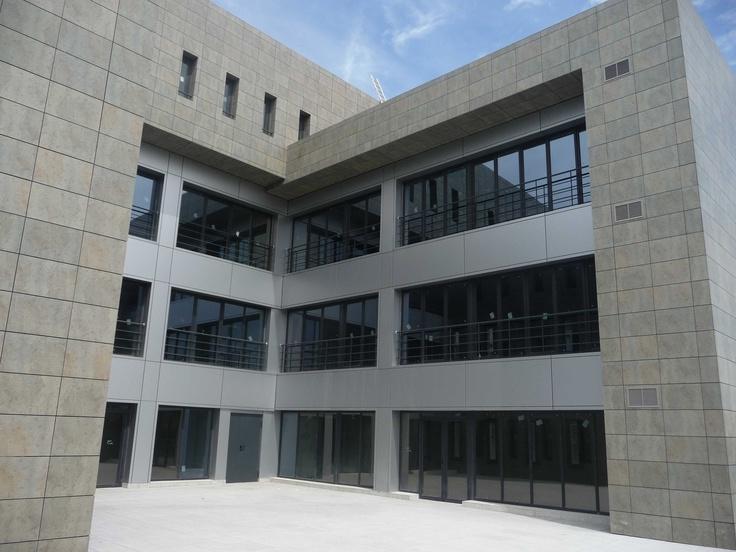 Edificio de oficinas en Gines (Sevilla)