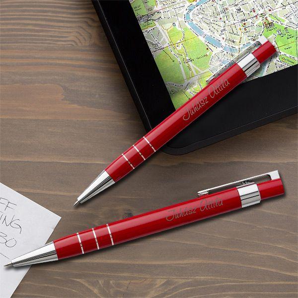 Lakozott gravírozott tollkészlet tolltartóval - piros