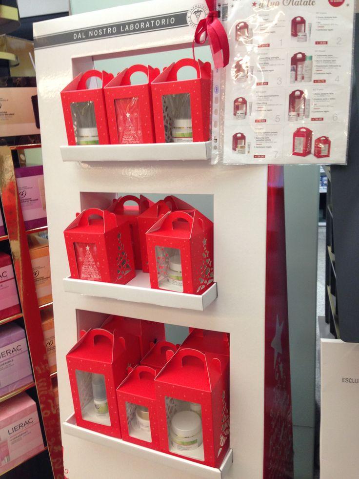Confezioni natalizie della linea Farmacia Muzio, personalizzabili con i prodotti più adatti.
