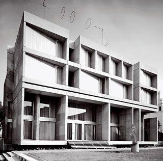 Czechoslovak Embassy in London designed by Jan Bocan, 1968