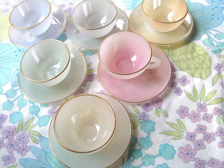 service caf arcopal vintage pastel girly tableware pottery pinterest girly pastel. Black Bedroom Furniture Sets. Home Design Ideas