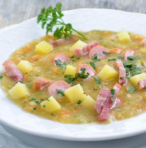 Esta sopa de patata es un clásico de la cocina centroeuropea que te conquistará en cuanto lo pruebes. Aquí te dejamos la receta más clásica pero puedes personalizarla con algunos consejos que te damos.                                                                                                                                                     Más