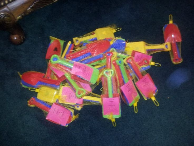 Fish extender shovels/ beach toys: Perfect for Castaway Cay and Nassau!