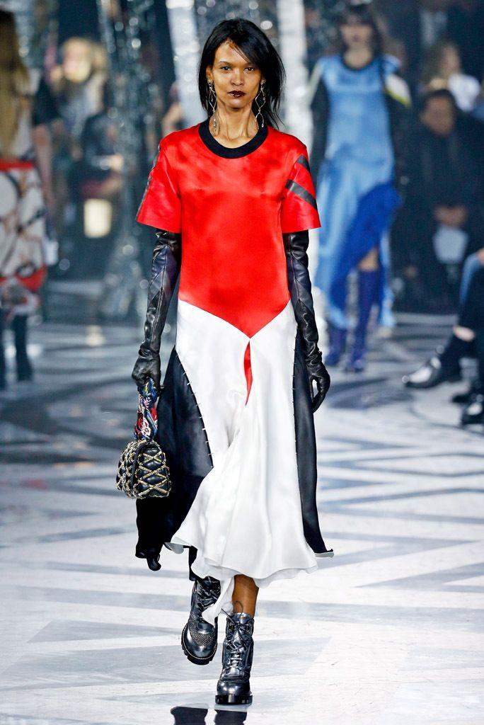 Louis Vuitton RTW Fall 2016
