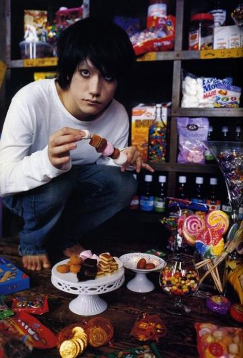 L and his love of anything sweet!