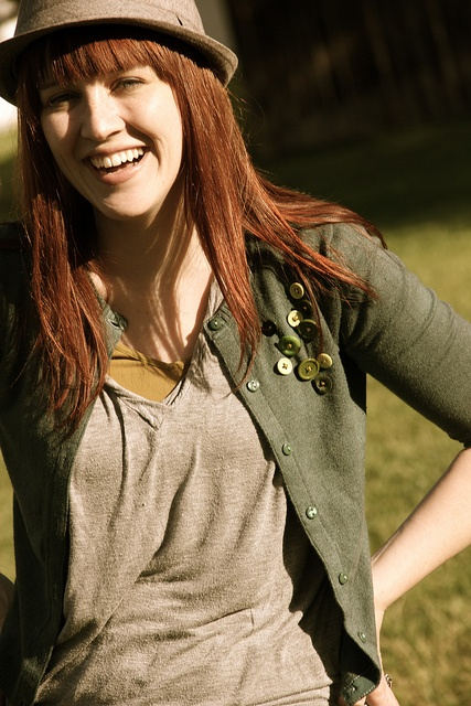upcycling clothes blog---Wow, this chick is talented, I would love to do this!