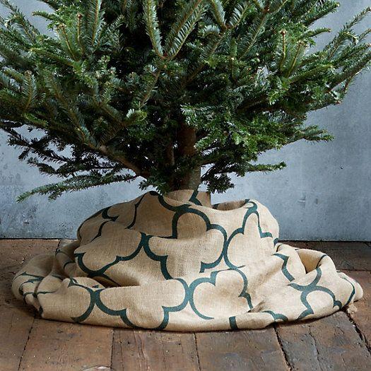 Rustic quatrefoil tree skirt