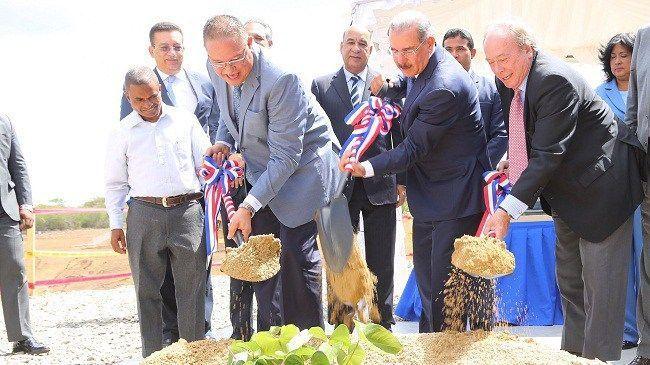 Danilo Medina da primer palazo trabajos depuradora aguas residuales