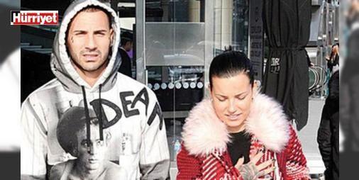 """Quaresma'nın eşi Daphney: """"Onunla karton bir evde yaşasak da...: """"#Beşiktaş'ın yıldız oyuncusu Ricardo Quaresma'yı eşi Daphney Quaresma anlattı.Nisan sayısında kapağına Portekiz Milli Takımı ve #Beşiktaş'ın yıldız oyuncusu Ricardo Quaresma'yı taşıyan Santra dergisi deneyimli futbolcunun aile hayatını mercek altına aldı."""