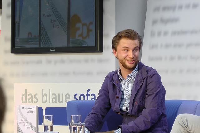 Benjamin Lebert auf dem Blauen Sofa der LBM 2012 by Das blaue Sofa, via Flickr