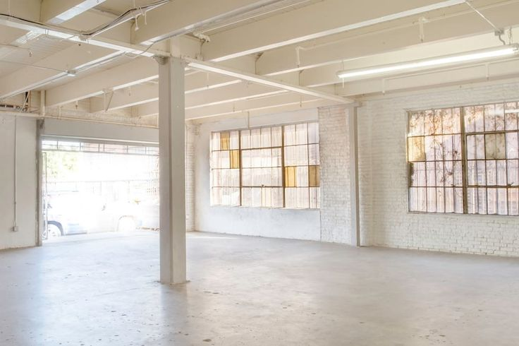 Other in Los Angeles, United States. 3500 sq.ft Industrial style space perfect for photo/video shoots and events. Price listed is for PHOTO/VIDEO shoots.  EVENTS rent for $100-$200 depending on logistics and needs. Events generally end around midnight. Special requests can be accommo...