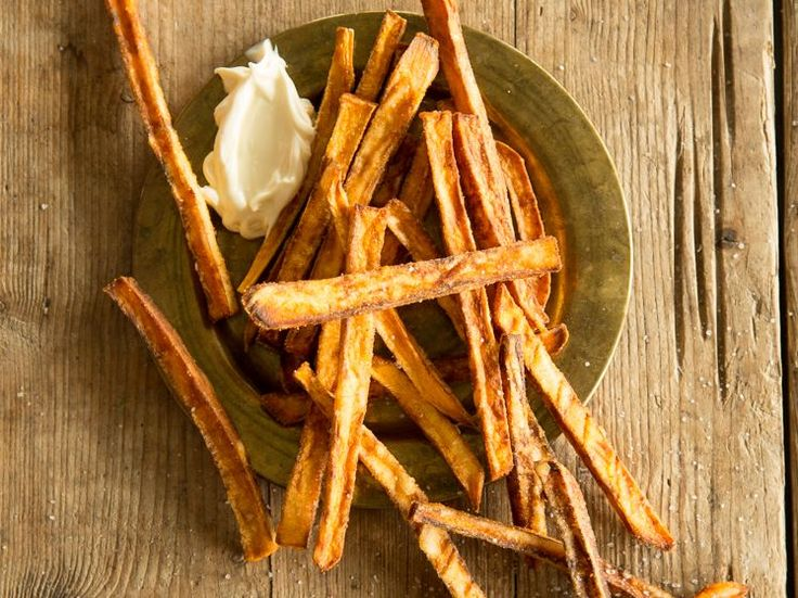 Frittierte Süßkartoffel-Pommes_mag