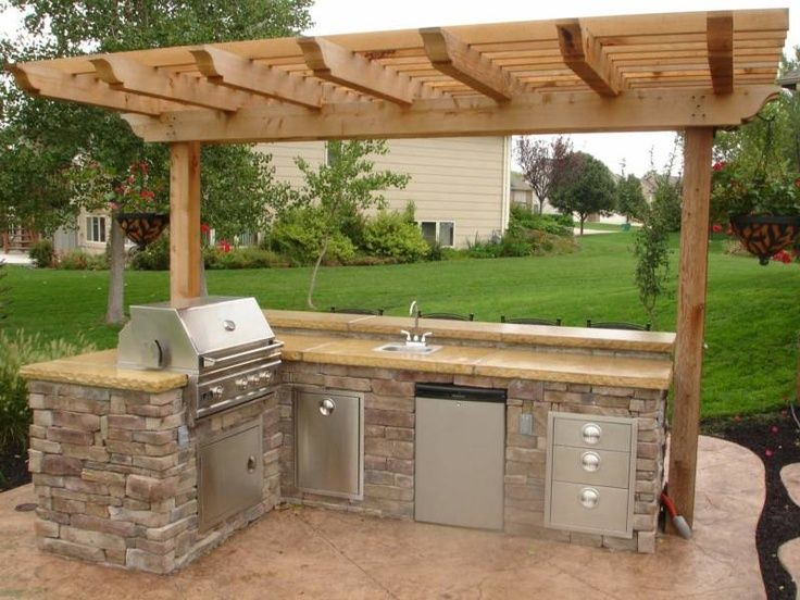 17 best ideas about small outdoor kitchens on pinterest for Small kitchen area ideas
