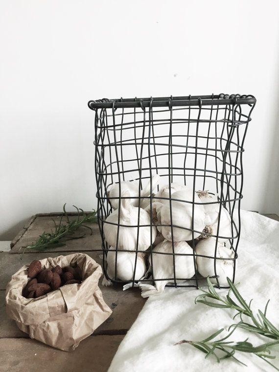 Little square Wire mesh metal storage basket