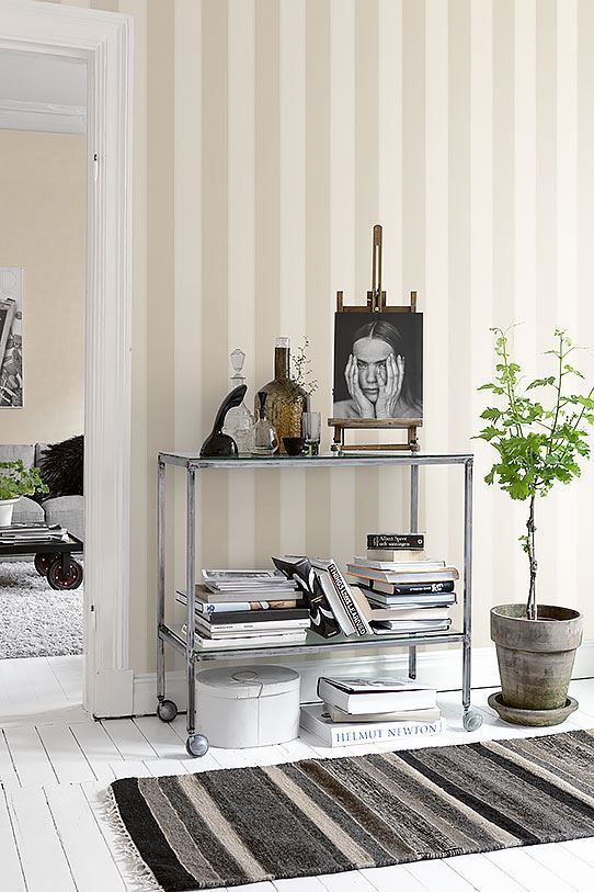 Classic Scandinavian style wallpaper with stripes.