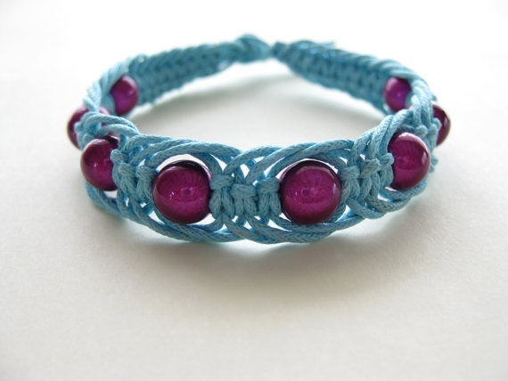 An 11 page macrame bracelet pattern / macrame bracelet tutorial / macrame bracelet PDF pattern. Clear step by step instructions and photos by knotonlyknots.