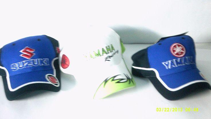 Gorras en relieve, marcas de motos y de mas estilos.
