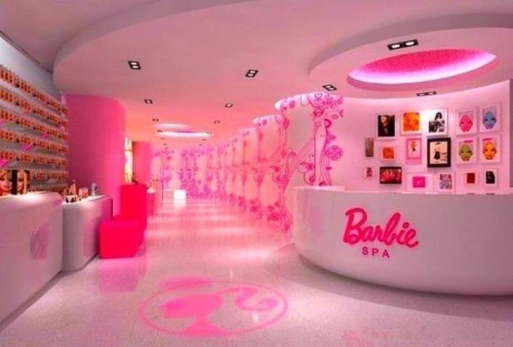 "real life ""Barbie Salon!!!"" omfg."