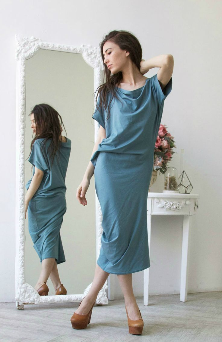 Асимметричное платье с коротким рукавом пыльно -голубого цвета 08 в магазине «MOLOKO Базовая одежда: Платья и.» на Ламбада-маркете