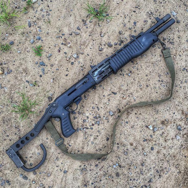 969 отметок «Нравится», 25 комментариев — Bobby Burnap (@stripper_clip) в Instagram: «Luigi Franchi SPAS 12 ____________  #spas12 #remington #mossberg #gunchannels #jurassicpark…»