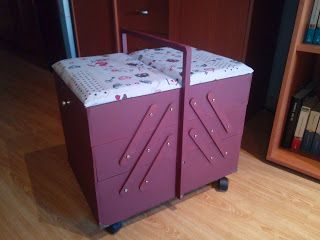 lascosasdepat: Caja-costurero de madera con varios niveles