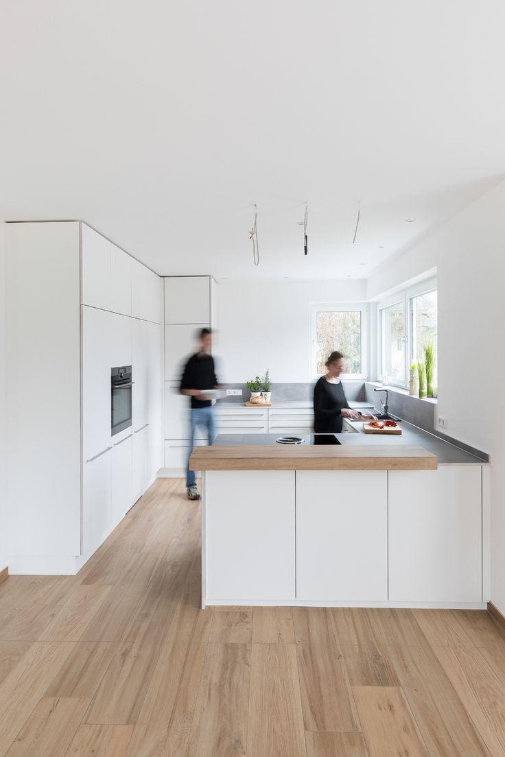 Weiße Küche  Küchenplanung  Küche planen  modern  schlicht