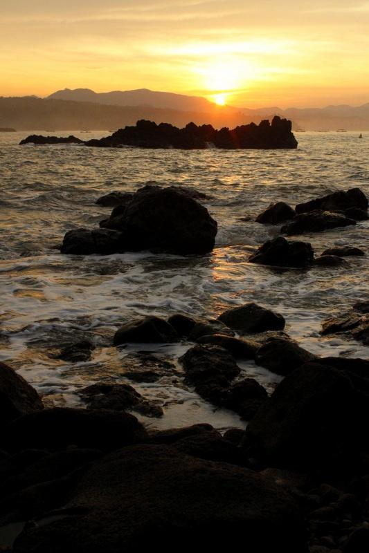 Ratu Pelabuhan (Queen's Harbor), Indonesia. #photography #beach #sunrise
