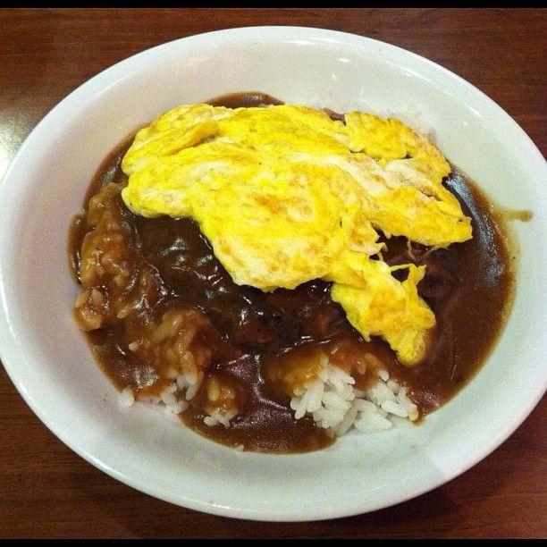 Chicken Fried Hamburger With White Gravy: Zippy's Loco Moco (scrambled Eggs, Brown Gravy, Hamburger