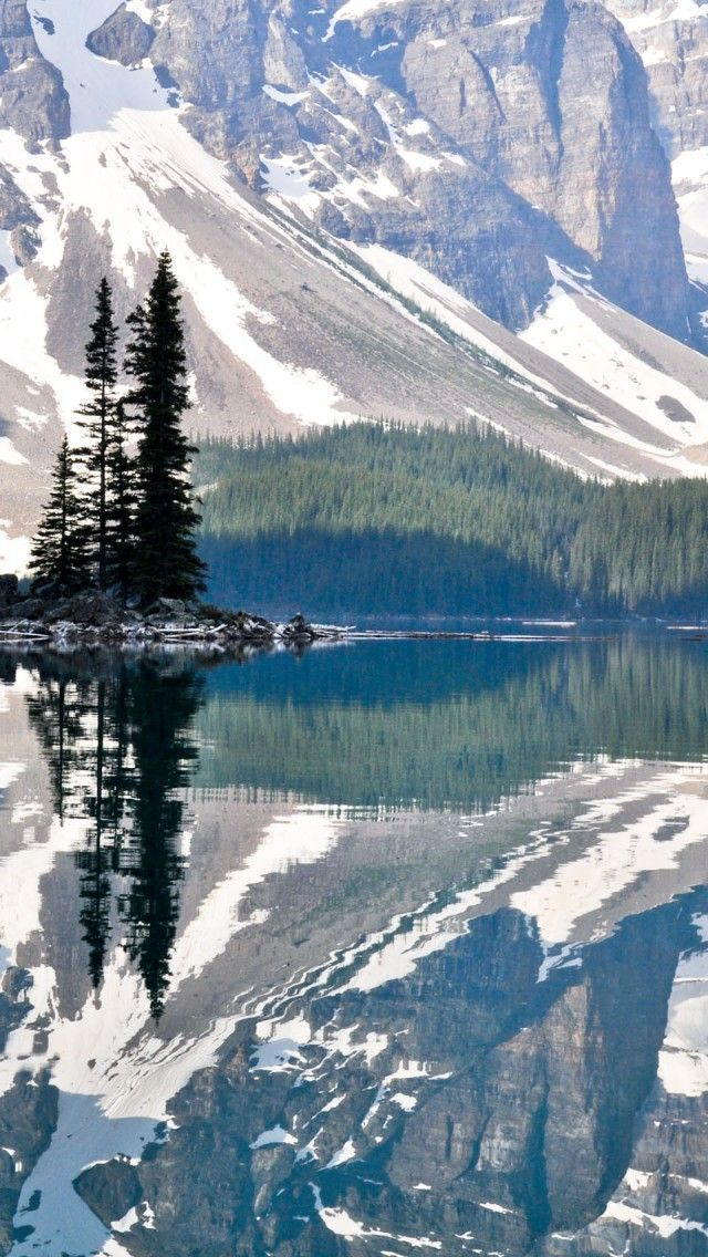 Grandeur of the Canadian Rocky Mountains - Moraine Lake