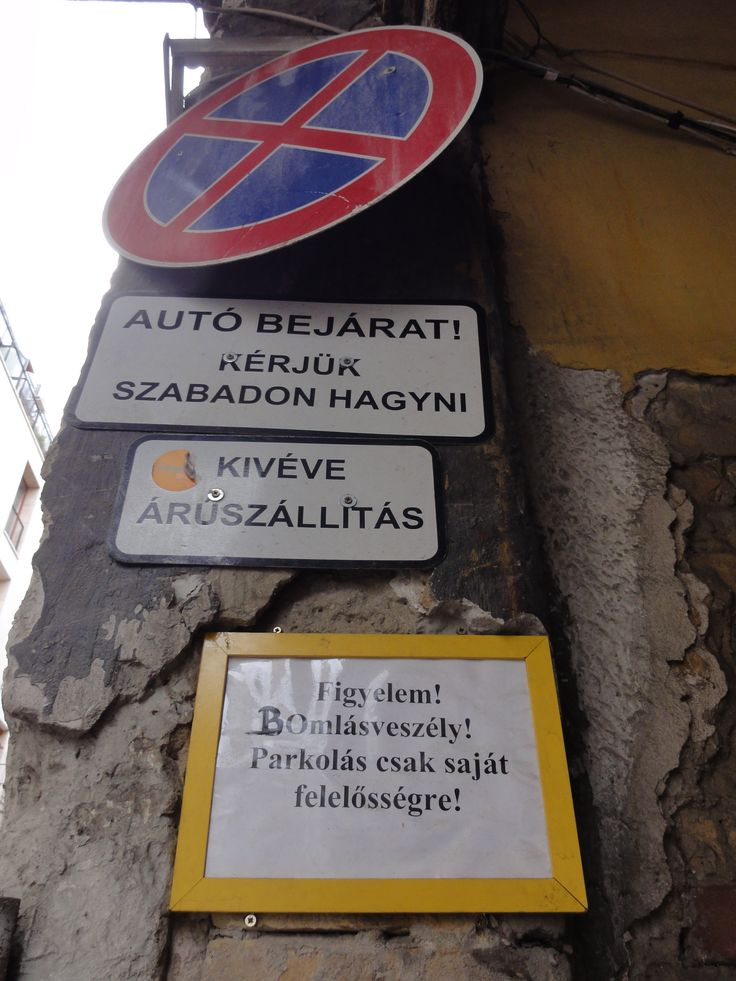 Bomlás veszély. Kazinczy utca, Szimpla.