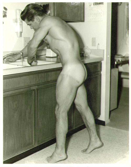 Nudepictures of billy joe
