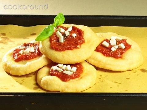 Pizzette montanare: Ricetta Tipica Campania | Cookaround