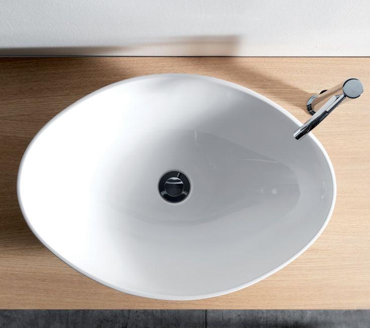 Glazed ceramic basin
