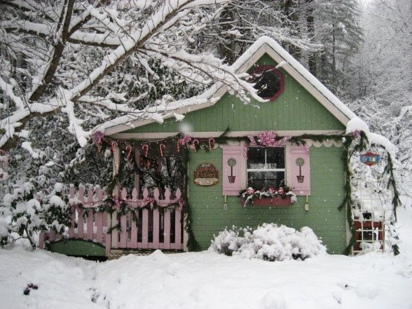 """#FanDesign """"My potting shed became Santa's workshop and a beautiful Christmas snow provided the perfect setting.""""    See how she decked out the front of the shed>> http://www.roomzaar.com/rate-my-space/Holidays/Faeryhollows-Santas-Workshop-2/detail.esi?oid=23256338&soc=pinterest"""