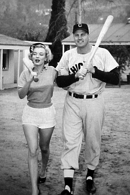 Ny Yankees Girls Wallpaper Marilyn Monroe With Chicago White Sox Legend Gus Zernial