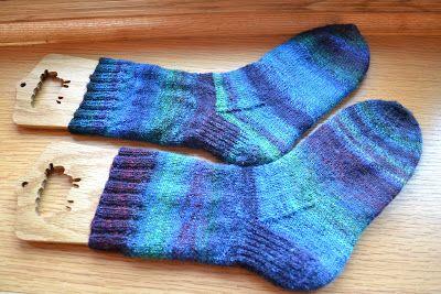 Susan B. Anderson: How I Make My Socks - this is my favorite way, easy peasy