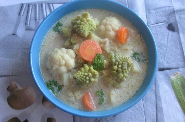 Kulinarne Wariacje: Zupa z dwóch odmian kalafiora